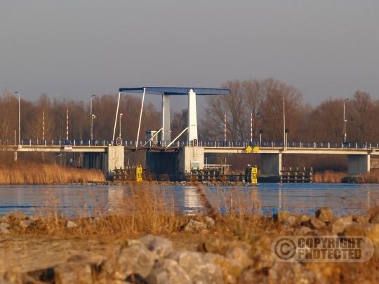 Elburgerbrug  vanaf het Veluwemeer